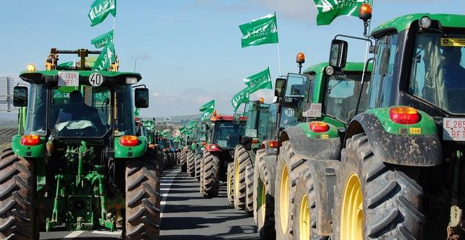 ASAJA, COAG, UPA y Cooperativas Agro-alimentarias sacarán los tractores a la calle en cuanto lo permita…
