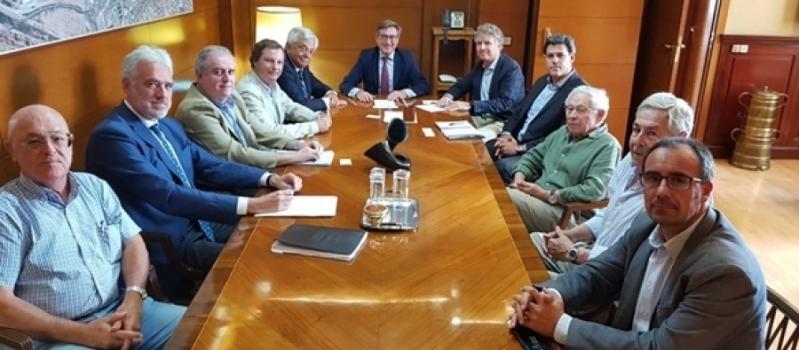 Los arroceros y el Puerto de Sevilla colaborarán para impulsar el riego y la modernización del…