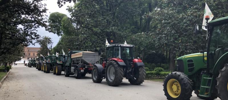 El sector agrario convoca una caravana de protesta ante la pérdida de renta que provocará el…